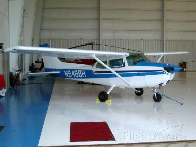 Cessna Skyhawk (N5468H)
