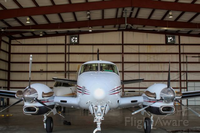 Beechcraft King Air 90 (N314AB)