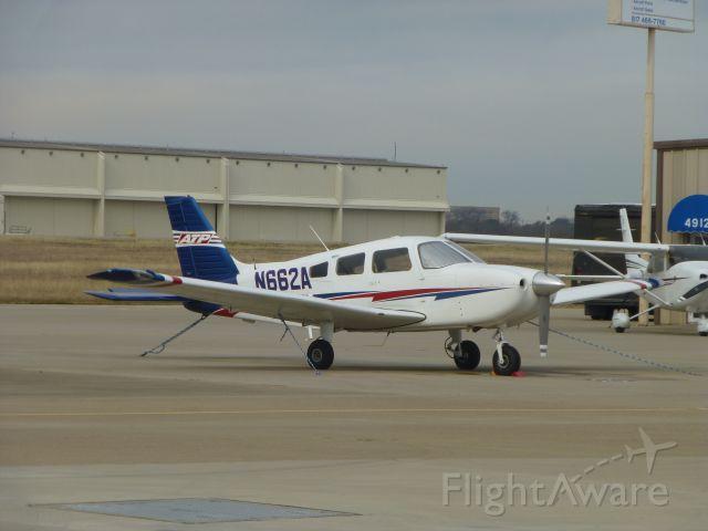 Piper Cherokee (N662A)