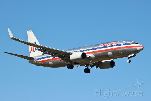 Boeing 737-800 (N953AN)