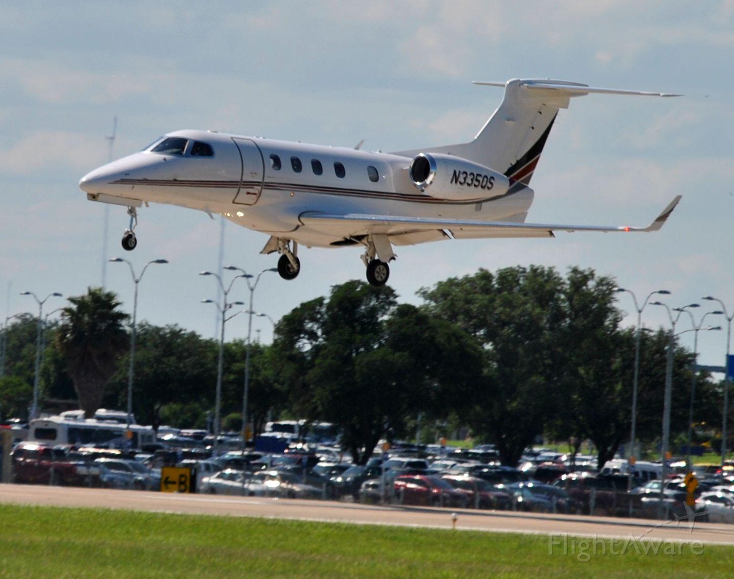 Embraer Phenom 300 (N335QS)