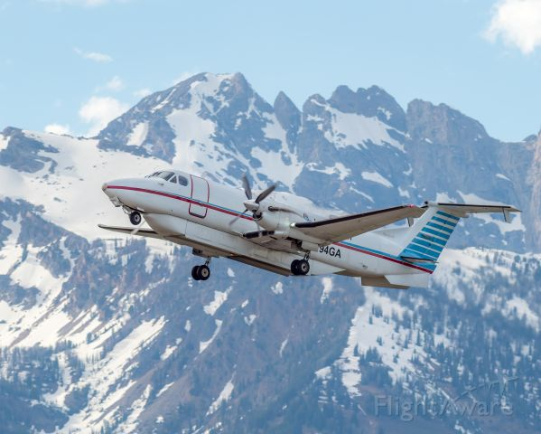 Beechcraft 1900 (N194GA) - Picture of myself operating AIP7788 from KJAC to KSLC, Photo credit to my colleaguebr /N.Hahn