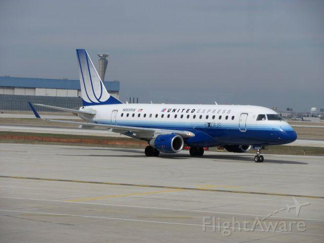 Embraer 170/175 (N865RW)