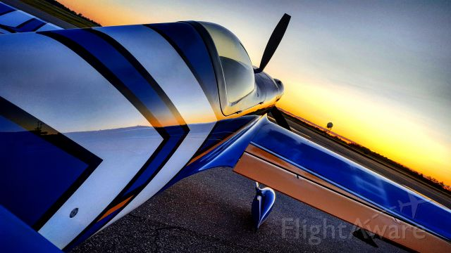 EXTRA EA-300 (N530JK) - MXW2 Sunrise