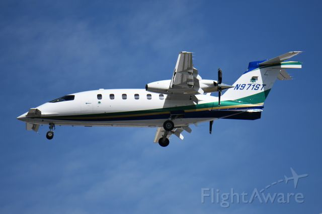Piaggio P.180 Avanti (N971ST) - LOVE TO HEAR THE SOUND OF THESE THINGS. YOU CAN HEAR THEM COMING A MILE AWAY. VERY UNIQUE. LANDING 23-L 05-06-19