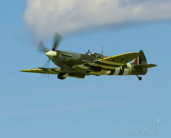 SUPERMARINE Spitfire (C-GYQQ) - Flying over the Gatineau Airport