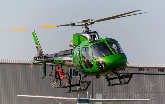 Eurocopter AS-350 AStar (N262TW) - The waltons have a helicopter...br /WITH A BIKE RACK