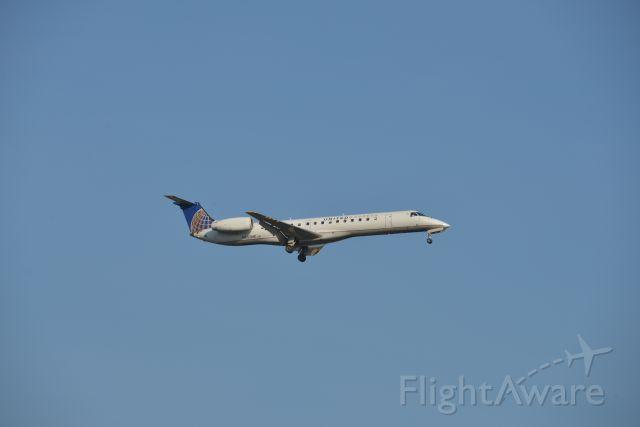 Embraer ERJ-145 (N809HK) - Cleared to land RWY 23