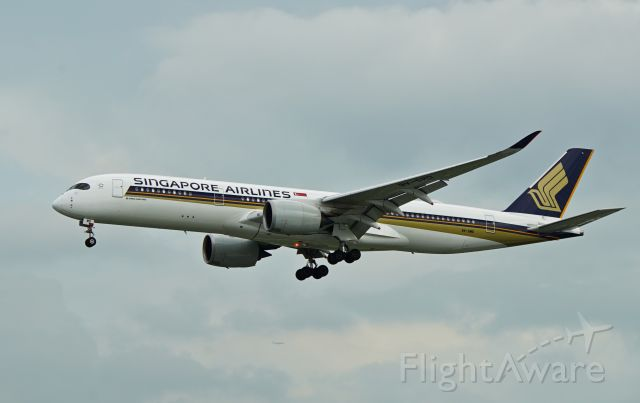 Airbus A350-900 (9V-SMD) - Arrival at WSSS