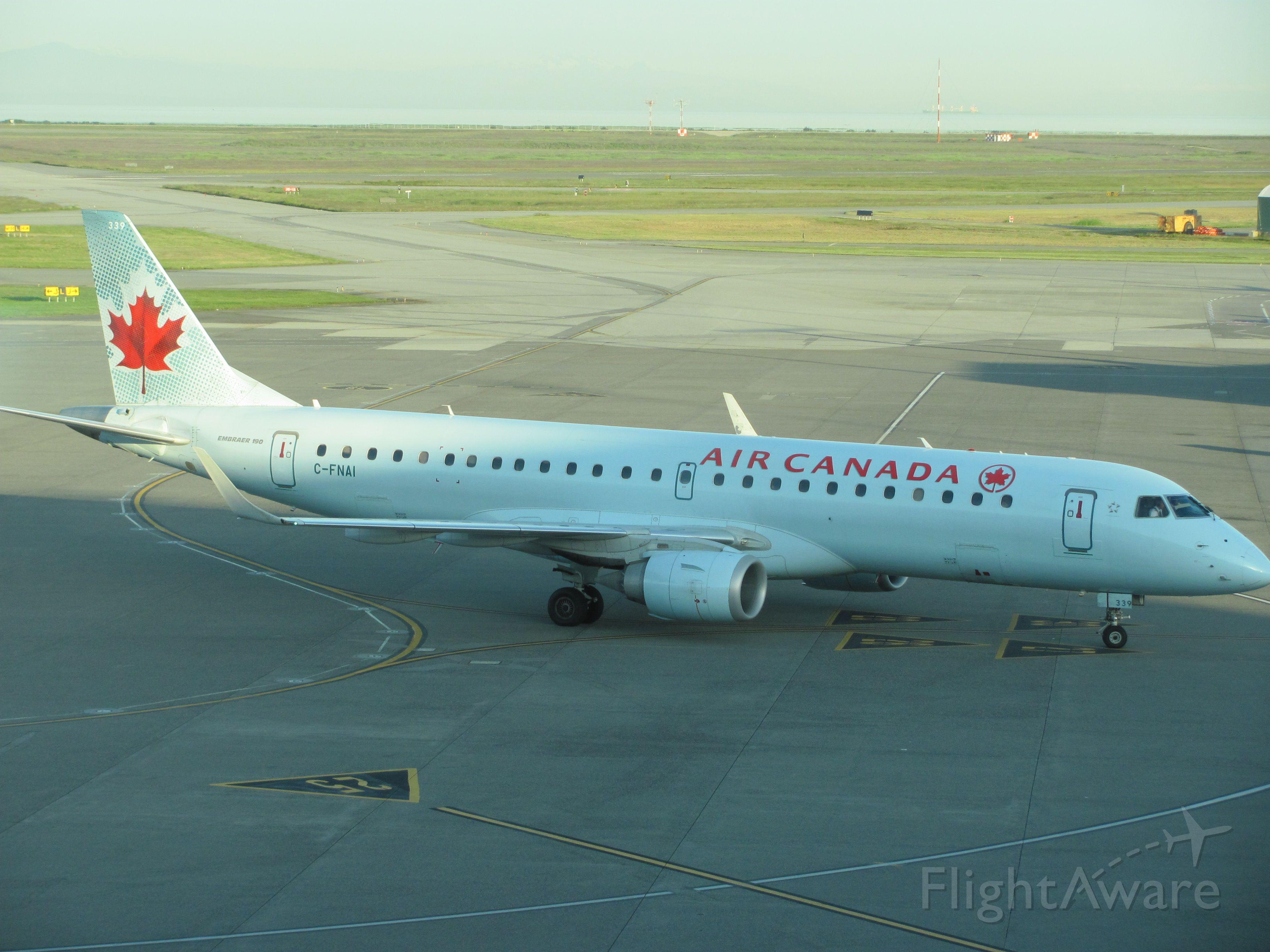 Embraer ERJ-190 (C-FNAI)