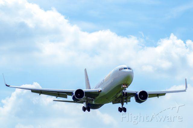 BOEING 767-300 (N645GT)