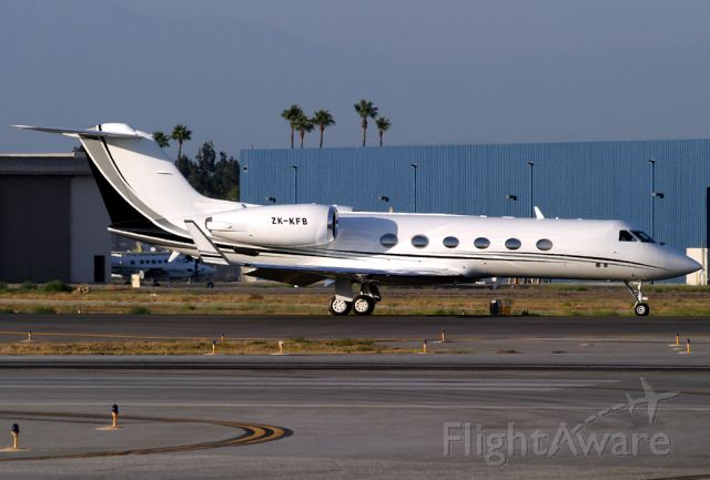 ZK-KFB — - This lovely G-IVSP from down under taxies for departure for a short flight to LAX after making a rare visit to the Gulfstream facilities at here at Long Beach.