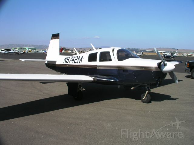 N9742M — - 1967 MOONEY M20C, 3600-TT, 330 SFRM, 250 SPOH. 2 KX170B/ digital, KCS55A HSI, SkyNav 5000 GPS, STEC 30 A/P w/alt. hold, KT76A, KMA20, Davtron OAT, 195 DME, speed brakes, 201 instrument panel & windshield, electric pitch & rudder trim, Slick start, NDH