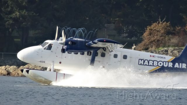De Havilland Canada Twin Otter (C-GQKN) - love the vortexes on this photo, I was on F dock at Fisherman's Wharf.