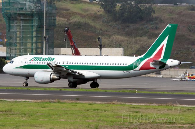 Airbus A320 (EI-DTD) - First visit to Tenerife Alitalia, in the history of this airport<br /><br />Tenerife North Airport<br />30/10/2016<br />Airbus A320-216<br />Alitalia