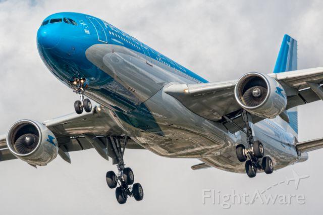 Airbus A330-300 (LV-FNK)