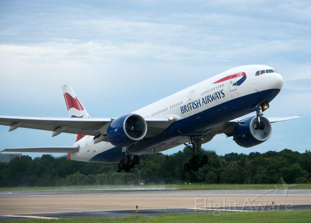 Boeing 777-200 (G-VIIU)