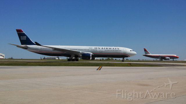 Airbus A330-300 (N276AY)