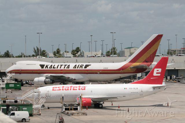 Boeing 747-400 (N795CK)