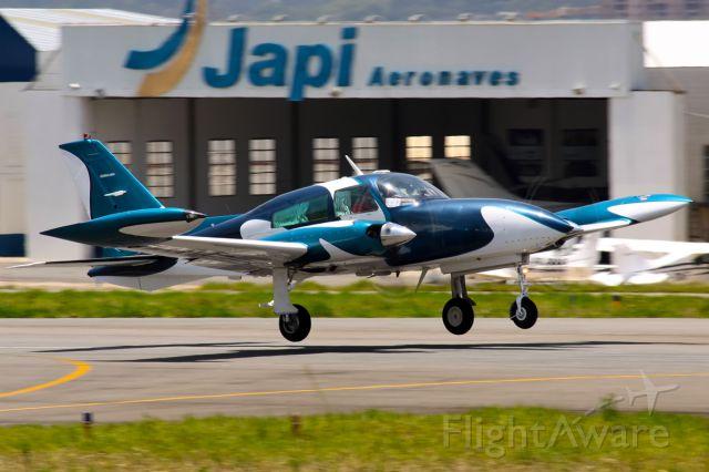 Cessna 340 —