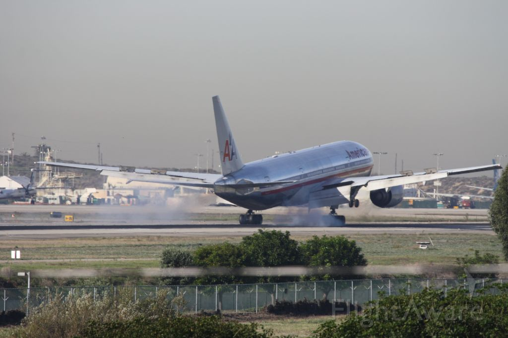 Boeing 777 — - Touch down!