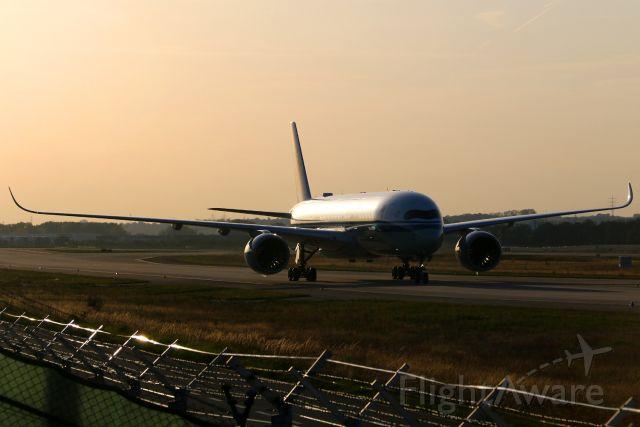 Airbus A350-900 (B-1081)