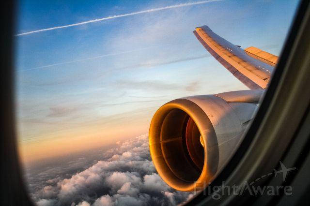 BOEING 767-400 (N67058) - Landing in Amsterdam