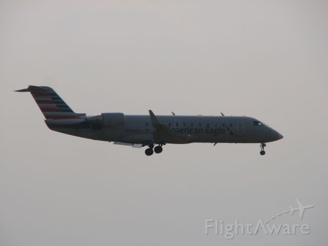Canadair Regional Jet CRJ-200 (N909EV) - American Eagle flight 2618 arriving from Texarkana, AR