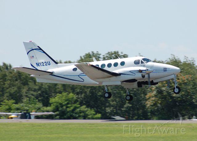 Beechcraft King Air 100 (N122U) - Departing to Nantucket.