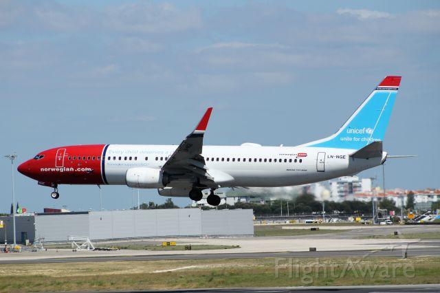 Boeing 737-700 (LN-NGE) - Aeroporto Gen. Humberto Delgado - Lisbon     13-05-2018