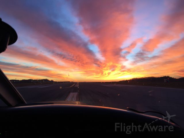 Piper Cherokee (N2048M) - Incredible sunset on this flight.
