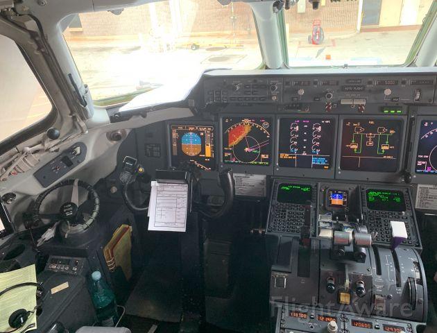 Boeing 717-200 — - Cockpit of Boeing 717-200