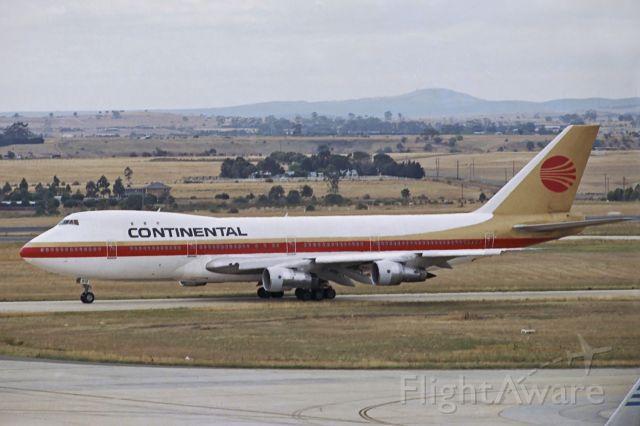 BOEING 747-100 (N17010) - Melbourne, 31 December 1989