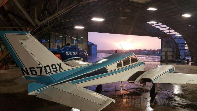 Cessna 310 (N6709X)
