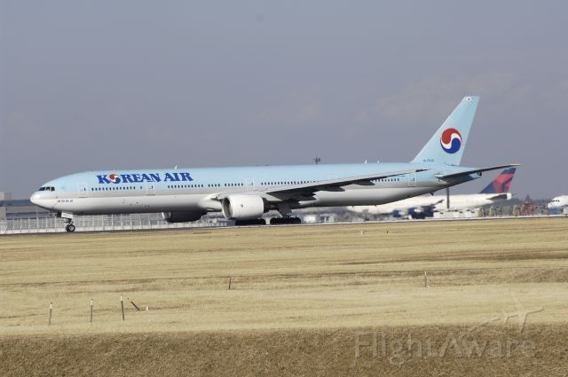 BOEING 777-300 (HL7533) - Departure at NRT Airport R/W34L on 2012/01/04