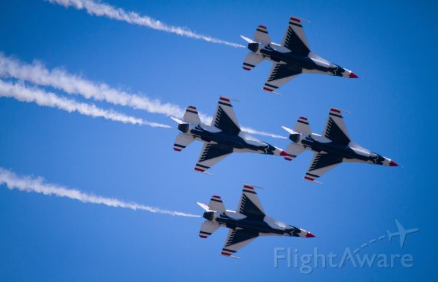 Lockheed F-16 Fighting Falcon — - Thunderbirds perform over Seymour Johnson AFB, June 2015