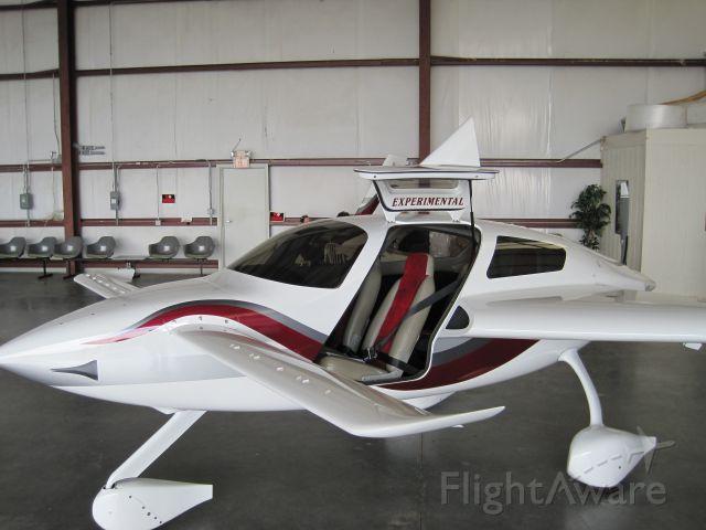 VELOCITY Velocity (N2087M) - 2002 Kenneth Mishler Velocity SUV FG at 2010 Pascagoula Canard Fly-In