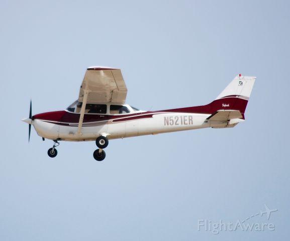 Cessna Skylane (N521ER) - Departing EAA Airventure/Oshkosh on 25 July 2012.