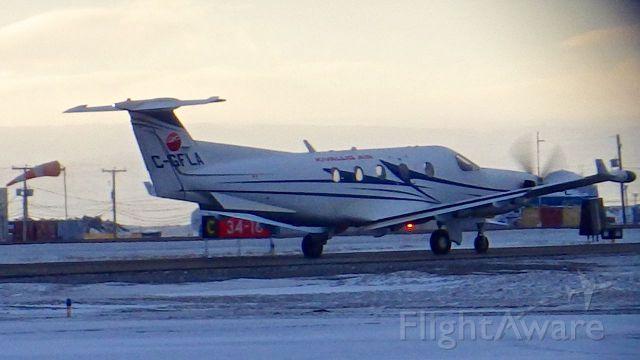 Pilatus PC-12 (C-GFLA) - Leaving Iqaluit, Nunavut (KEEWATIN AIR) Nov. 22, 2015
