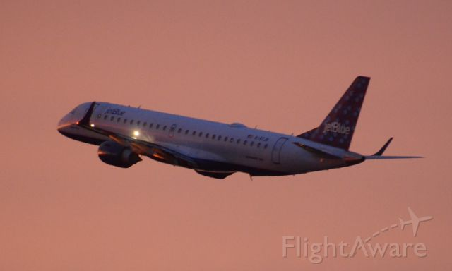 Embraer ERJ-190 (N187JB) - Imaged on 1/11/12
