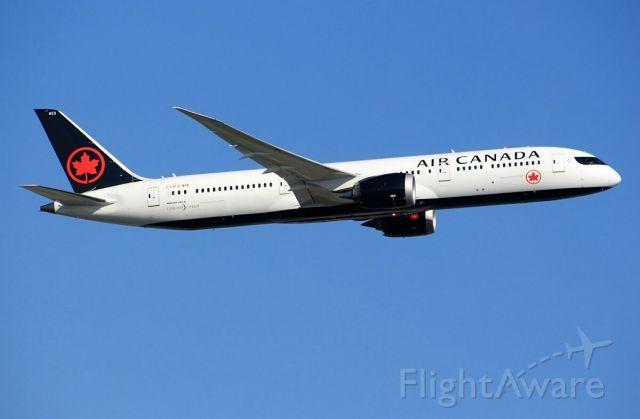 Boeing 787-9 Dreamliner (C-FVLQ)
