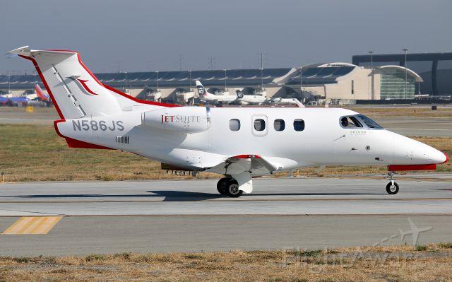 Embraer Phenom 100 (N586JS)