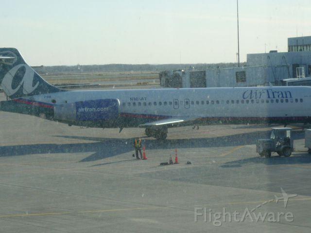 Boeing 717-200 (N985AT)