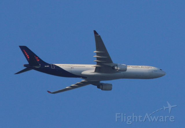 Airbus A330-300 (OO-SFW) - Taken from Sunnybrook Flats