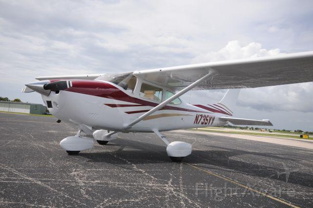 Cessna Skylane (N735VV)