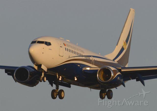 Boeing 737-700 (TT-ABD) - 05/12/2013