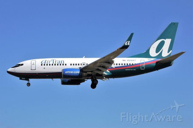 Boeing 737-700 (N318AT) - 2013 PHOTO