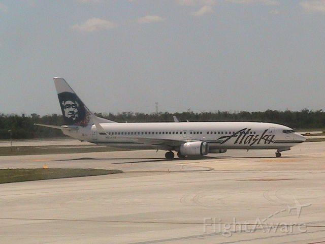 Boeing 737-800 (N517AS)