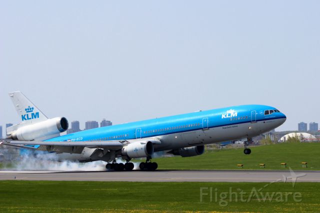 Boeing 747-400 (PH-KCD) - Arriving Monday May 19th, landing 33L.