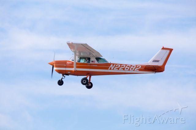 Cessna Commuter (N22682) - Flying low near Hollister, CA KCVH on Dec. 31, 2017